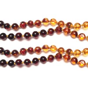 imagen del collar de ambar arcoiris